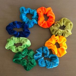 Accessories - Velvet scrunchies - set of 8